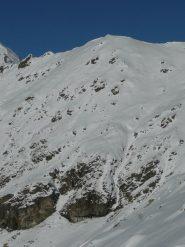 Ultimo alpeggio visibile nel vallone, contro la parete
