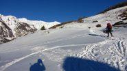 salendo verso il piccolo villaggio di Le Villard (1-1-2011)