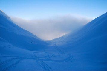 laciandosi le nebbie alle spalle entriamo nel freezer