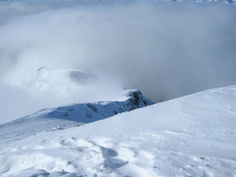cresta carica di neve
