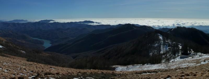 Antola (Monte) dal Valico di San Fermo per il Monte Buio 2011-01-15
