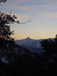 05 - Il Monviso dal Colle Arponetto. Ultime luci ben oltre il tramonto