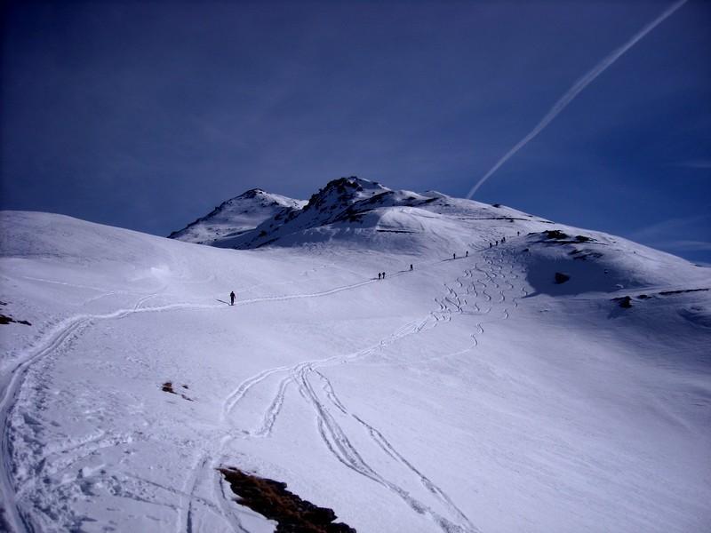 dal colle delle vallete, la neve portate (e si vede dalle tracce!)