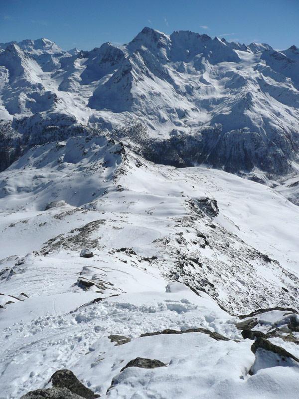 la cresta finale percorsa vista dalla vetta