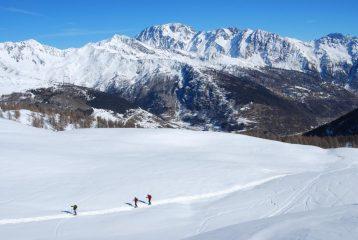 Cresta di Barasson e Mont Velan salendo