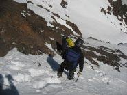 ...giù a recuperare gli sci!