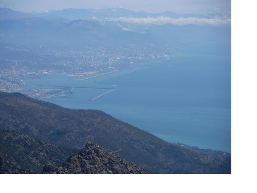 Beigua (Monte) da Alpicella per le Giare dell'Olio 2011-03-18
