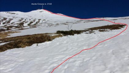 la parte alta del versante Sud-Ovest e l'itinerario seguito per raggiungere la cima (18-3-2011)