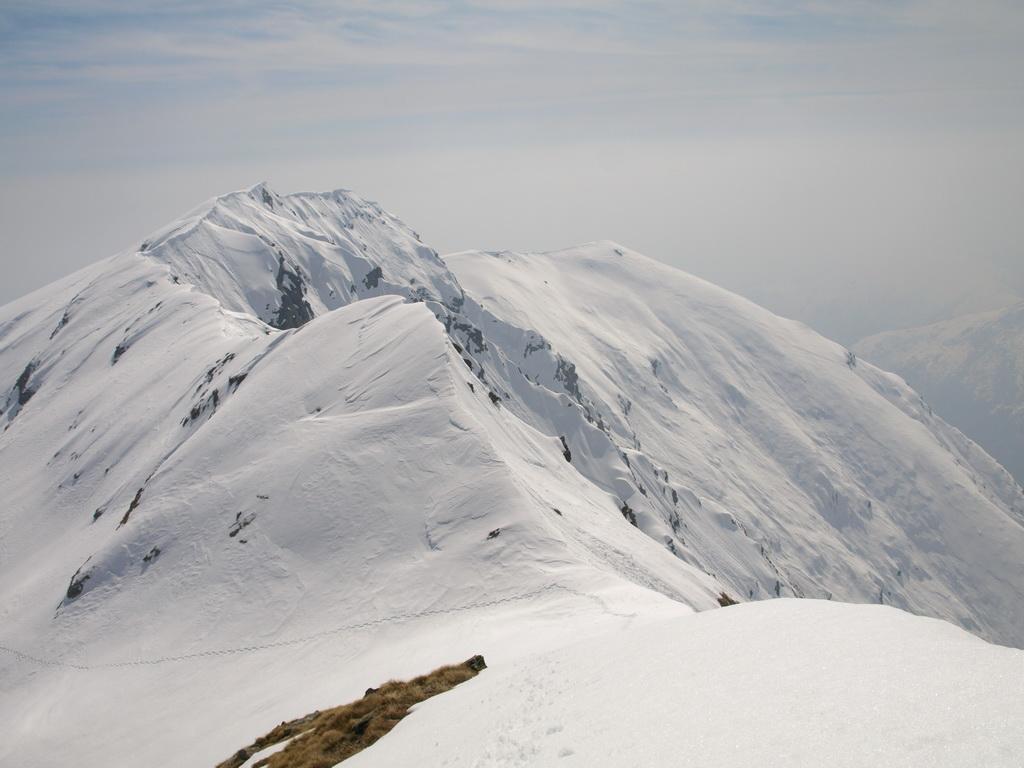 Il Cavalcurt visto da quota 2360 m sopra la Bocchetta di Valbona
