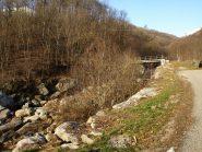Il ponte pedonale alla partenza