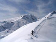 La parte iniziale delle cresta dall'anticima a cima Palit. Sullo sfondo il Gran Munt.