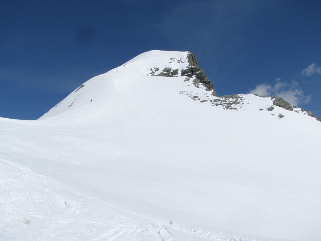 La cresta che porta alla vetta del Chersogno