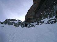 il bivio: a sx sciistica, a dx alpinistica (sciabile con moolta determinazione e disprezzo per gli sci