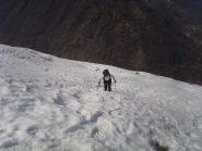 02 - salendo dal sentiero utili le ciascpole per non afondare fino al ginocchio..