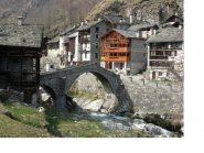 Rassa e il suo bel ponte Romanico sul Gronda