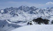 Sulla cima scialpinistica del  Lagrev guardando il Gruppo del Bernina
