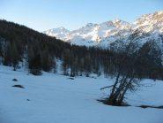 primo sole sulle cime della valle argentiera