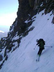 Luca che fa finta di saper sciare