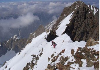 Mario  lascia la cima sud  dell'Argentera