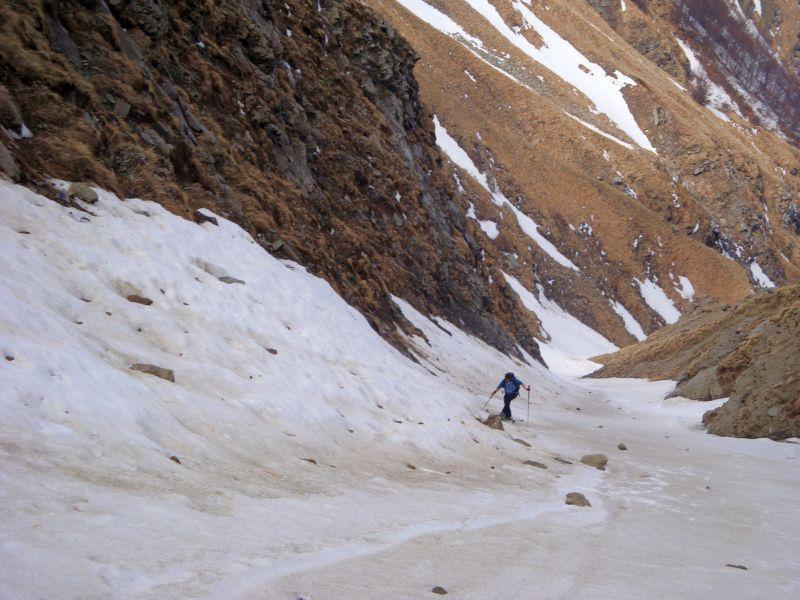 Gorzano (Monte) per Fosso Gorzano 2011-04-22