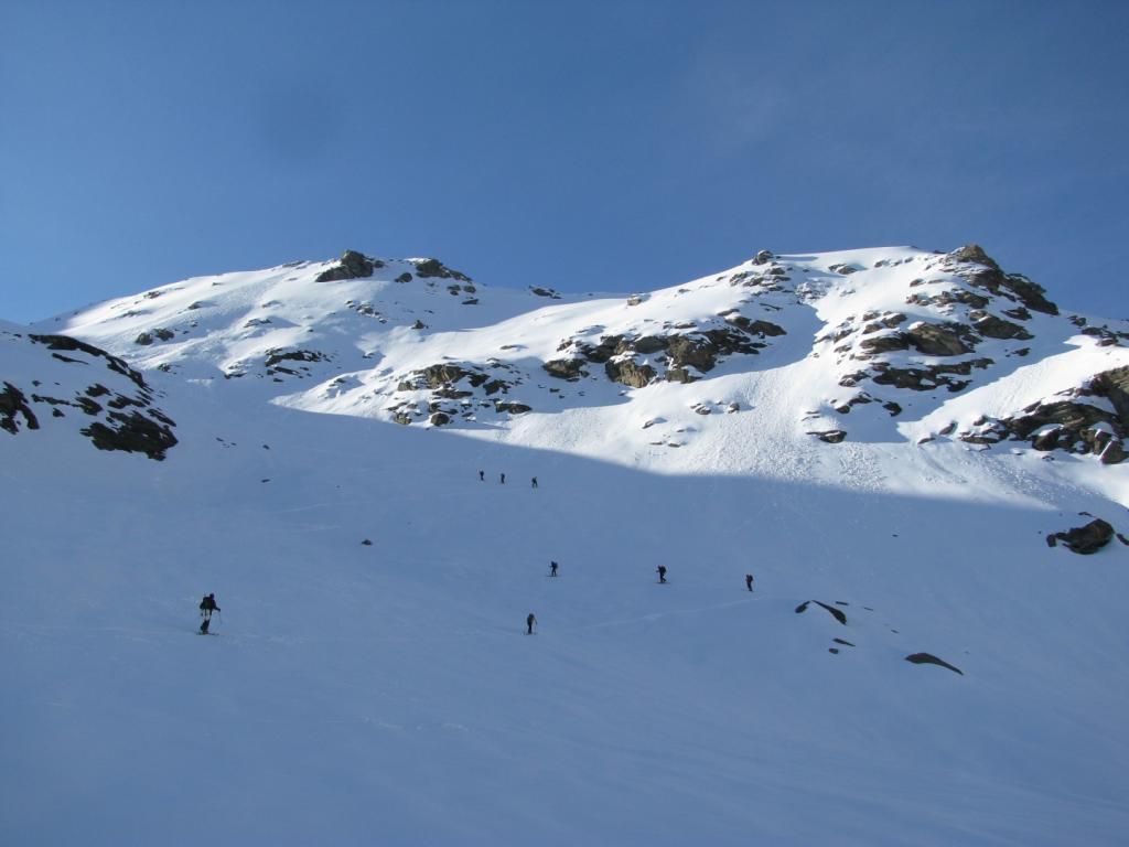 Ampi pendii che portano al ghiacciaio