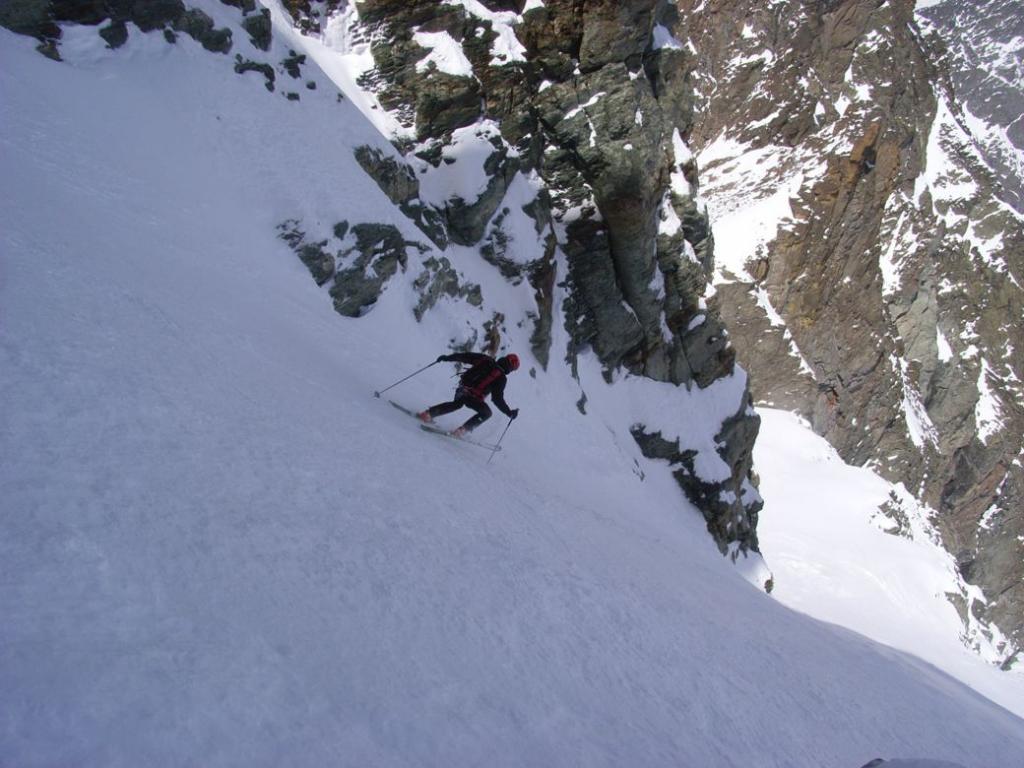 Roby scende verso il ghiacciaio pensile