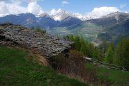 La splendida vista che si gode dall'alpeggio di Petratra damon