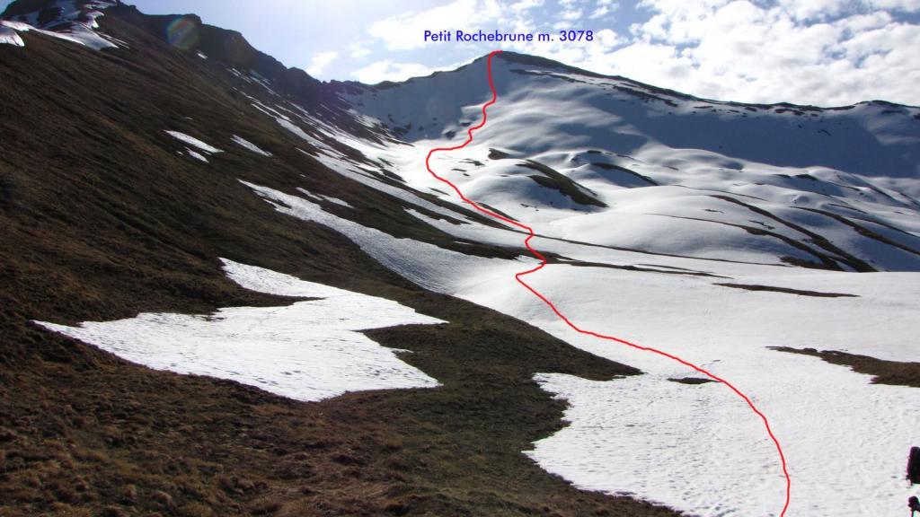 il percorso seguito, visto dal colletto di quota 2600 m. (8-5-2011)