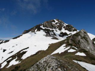 La cima vista dalle Rocche Giardina