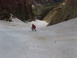 Discesa parte centrale: neve di fine stagione
