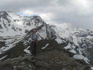 Stefania in vetta alla Labiez,sullo sfondo il Fallere versante Nord