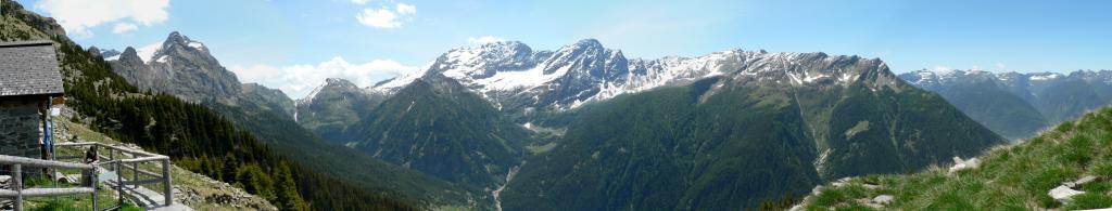 Panoramica dal Rifugio Biasagn
