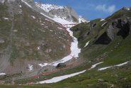 Il percorso di salita, dal piano di Bonalex al pianoro a quota 2600 m ca