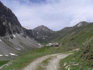 l'arrivo all'alpeggio sotto il Mont Fortin ,il tempo sta gia' cambiando....