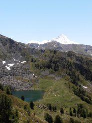 02 - Lago Chamolè in basso, Grivola sullo sfondo