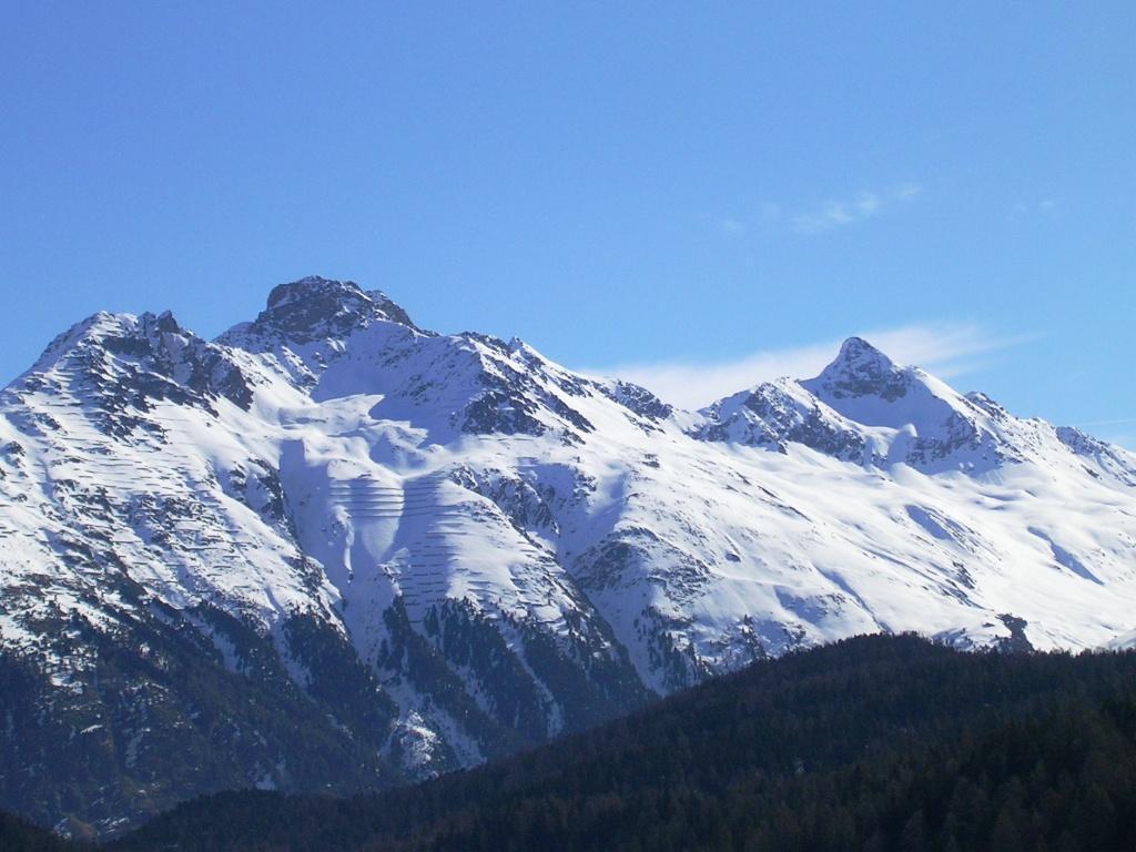 Il Piz Languard sulla dx visto da St Moritz in primavera