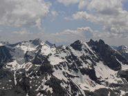 16 - Rocca e Denti d'Ambin, sullo sfondo la Barre des Ecrins