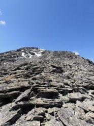 06 - Ancora pietraie per arrivare alla cima di Bard