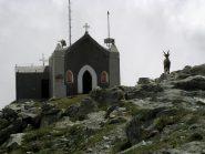 Cappella della Madonna degli Angeli con lo stambecco che pare vivere lì.
