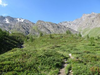 a destra il vallone per la Ramiere