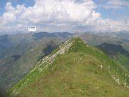 Dalla cima del Monte Azzarini, la cima E e le Orobie