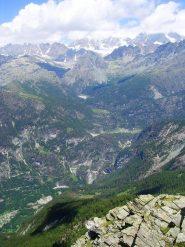 Uno sguardo verso l'imbronciato Gruppo del Bernina