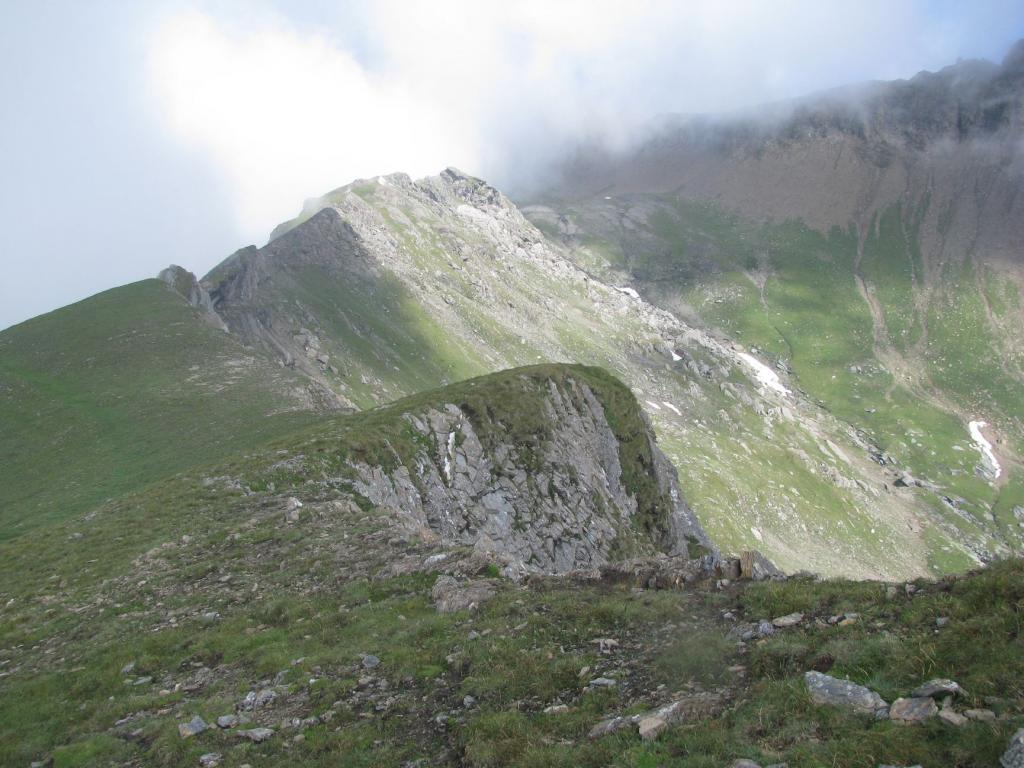 La cresta nord-ovest e quota 2798