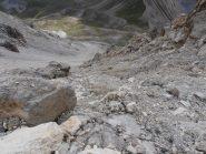 08 - il pietrisco ricopre le rocce rendendole molto scivolose