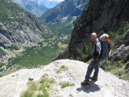Vista della valle con marcato il passaggio chiave