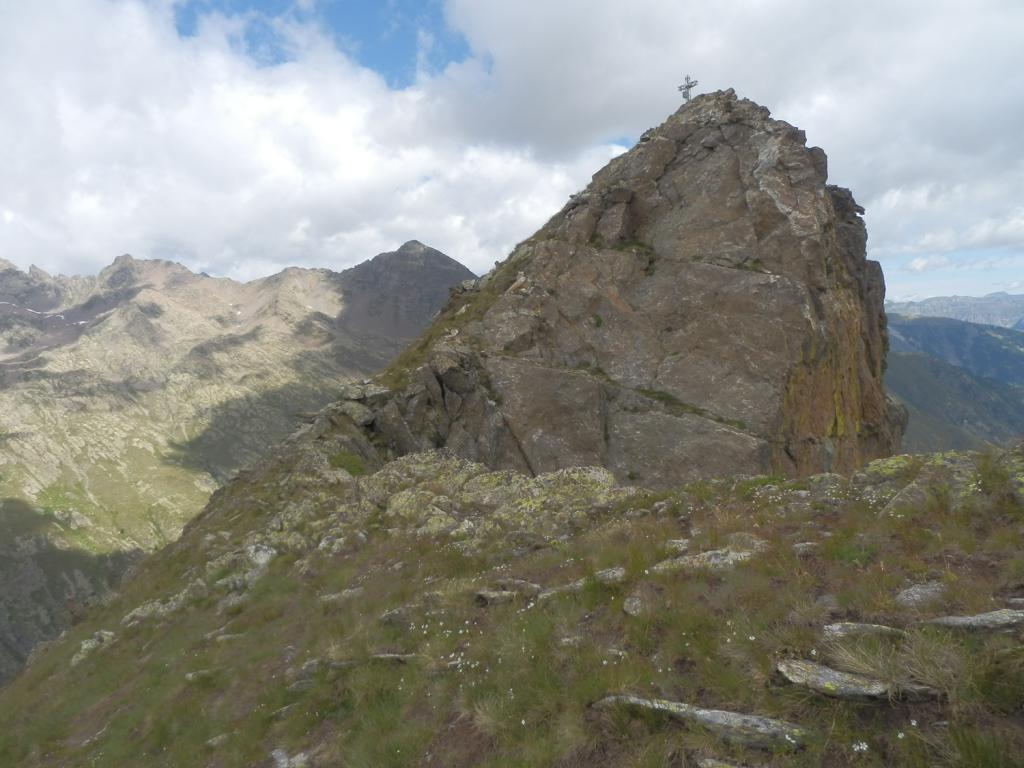 Guglia di S.Bernolfo a pochi passi dalla cima...
