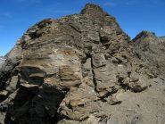 La prima elevazione tra i due colli, aggirabile a Ovest.