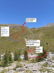 04 - cartello che indica il vallone da seguire (Colle Pelvo) e indicazione della traccia (Da cercare il guado migliore del torrente Thuras)