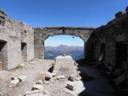 09 - dentro al forte, partenza della teleferiche che scendeva a Cesana