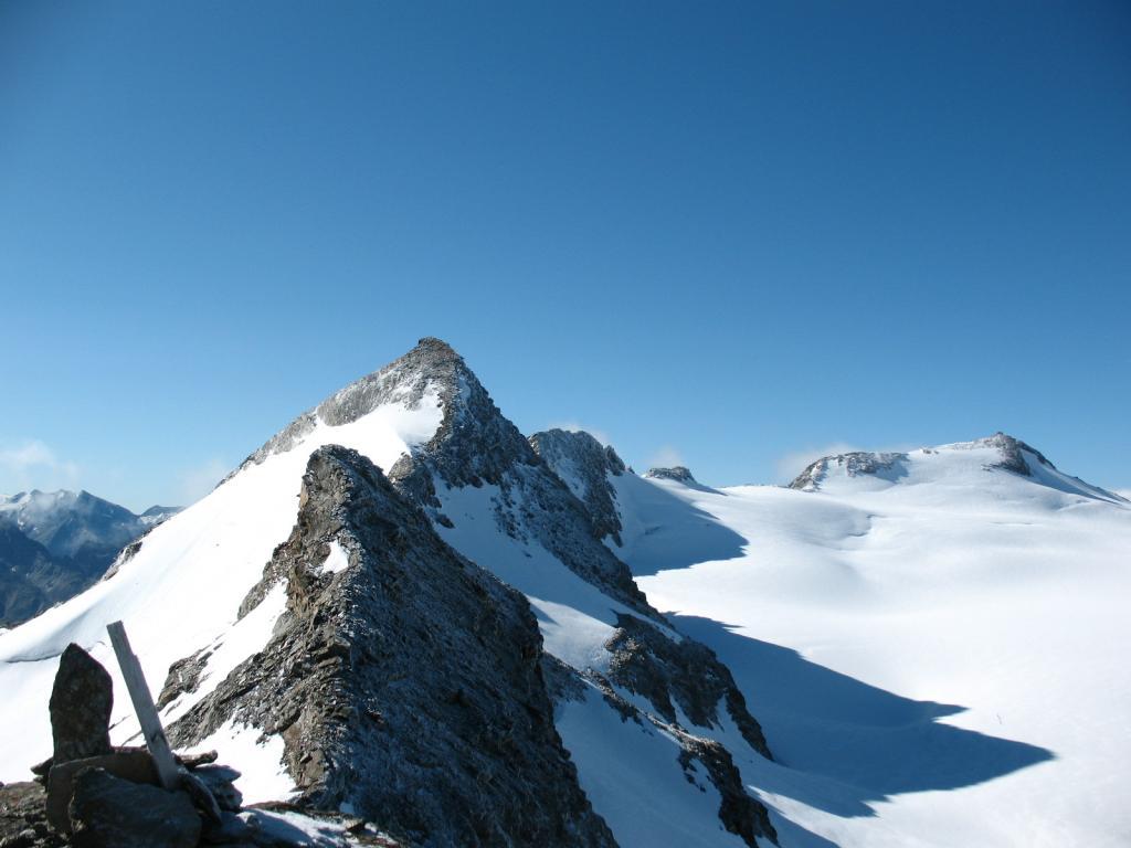 panorama dalla vetta su quota 3337 e i Doravidi